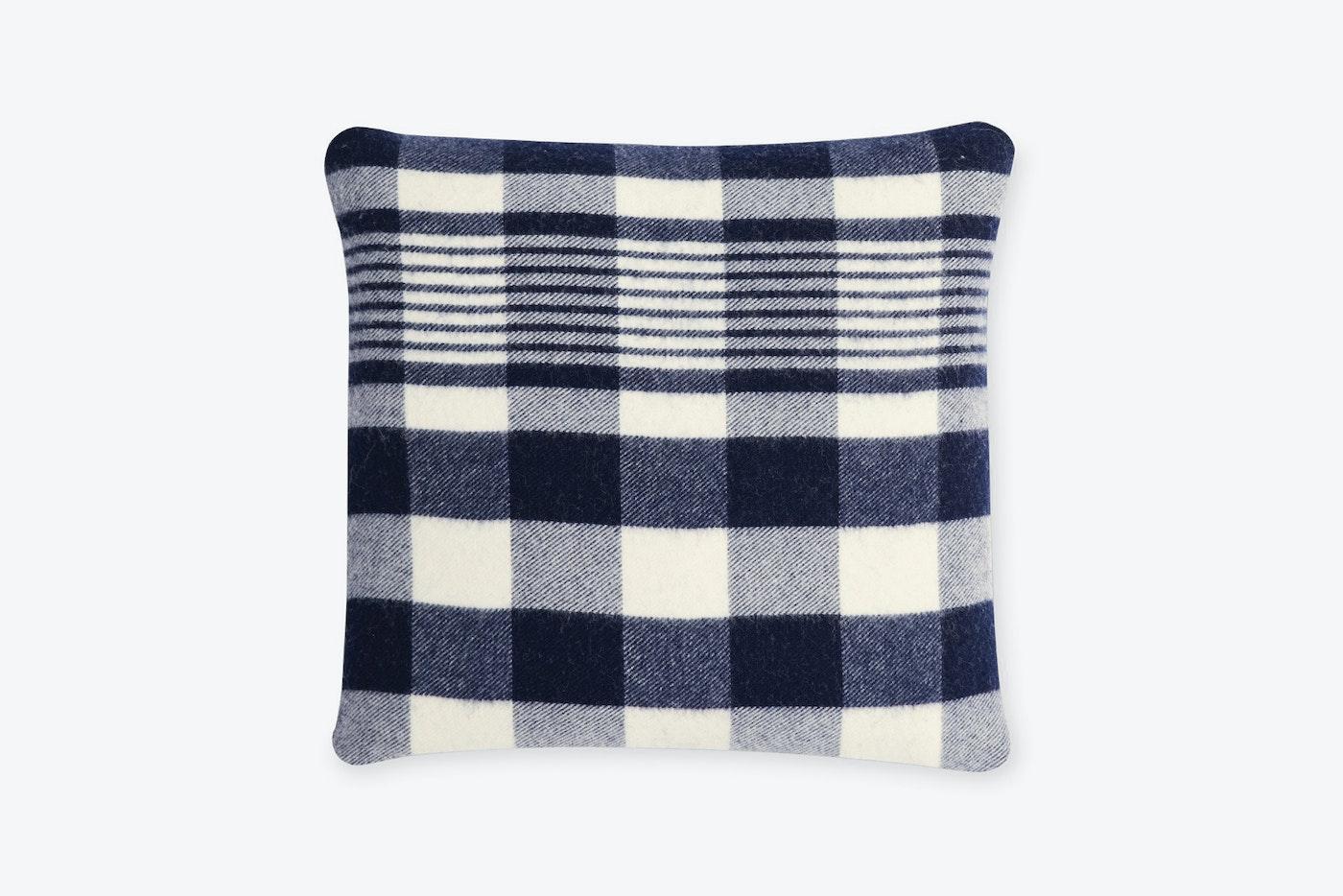 plaid %28navy%29 pillow